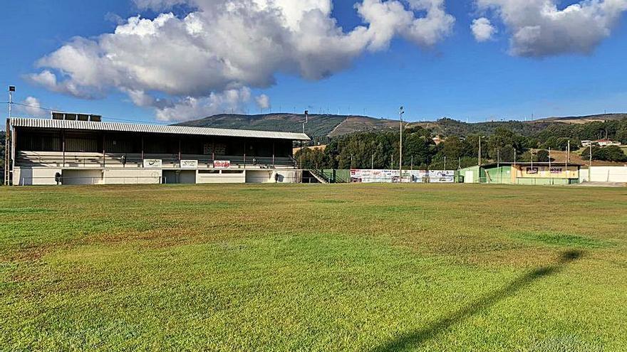 Silleda mejorará la iluminación del campo de fútbol de Agro Novo