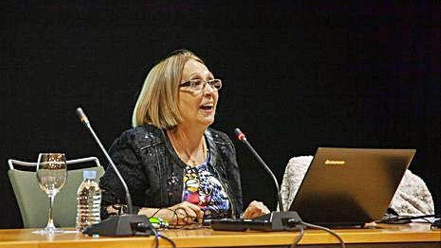"""María Jesús Barrios, profesora de Enfermería: """"El cáncer de mama es muy habitual, pero también es el de mayor supervivencia"""""""