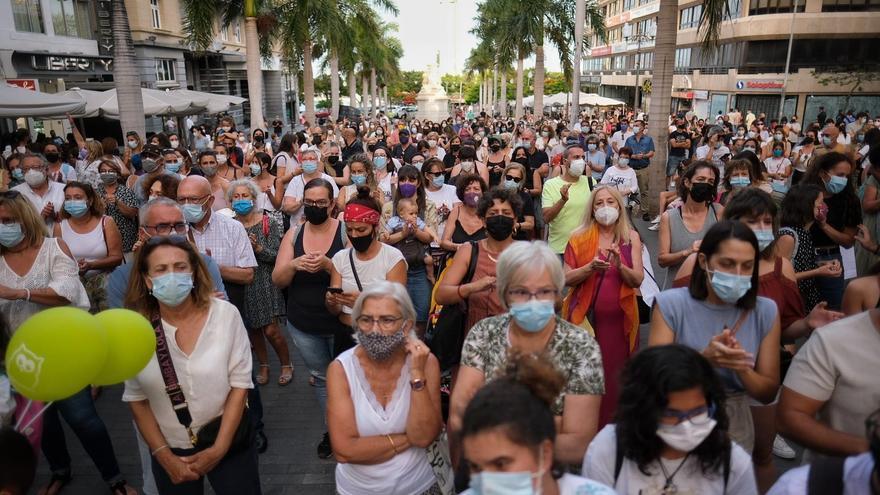 Niñas de Tenerife: Concentración contra la violencia machista en Santa Cruz