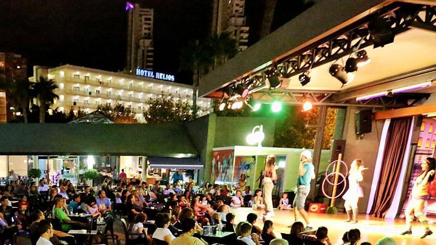 Benidorm autoriza a los hoteles a alargar la temporada de música al aire libre hasta final de noviembre
