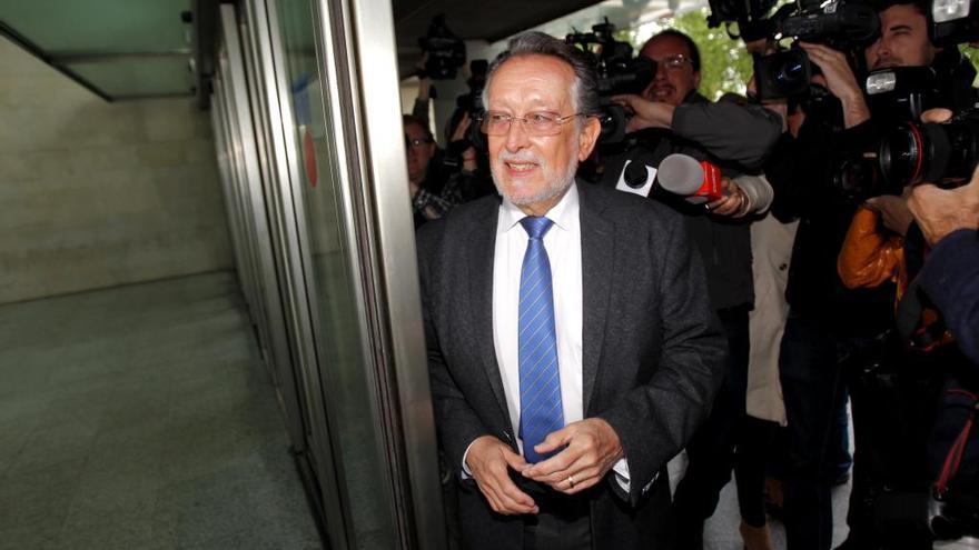 La Fiscalía pide seis años de cárcel para Alfonso Grau por blanqueo y cohecho