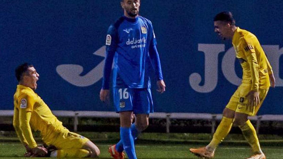 Rahmani y Joaquín Muñoz celebran el 0-1 en el Fernando Torres.  laliga
