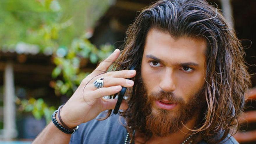 La foto de Can Yaman, el protagonista de Erkenci Kus, de la que todas sus fans hablan