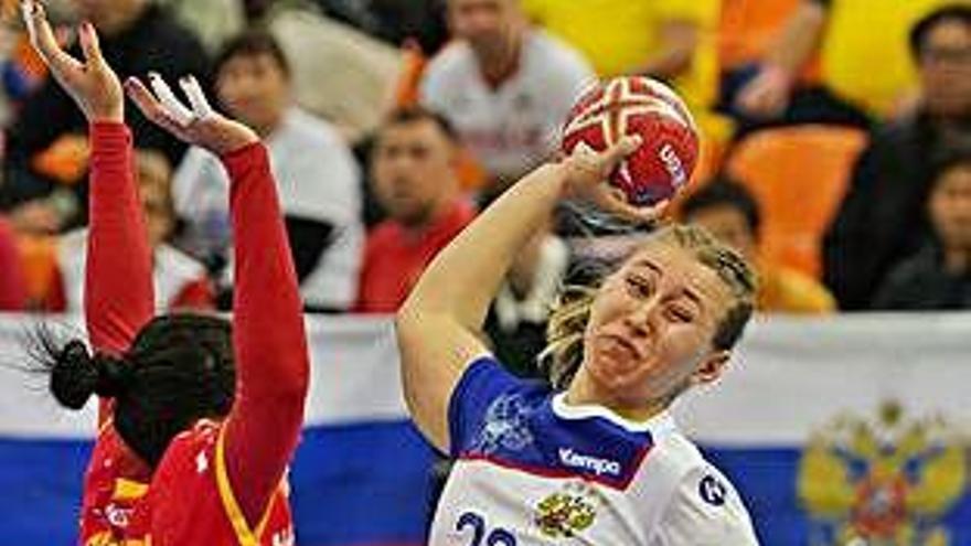 España pierde ante Rusia, pero Montenegro le lleva a semifinales