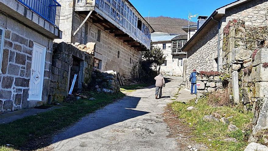 """Los vecinos denuncian el """"mal estado"""" de las calles de Sotillo de Sanabria"""