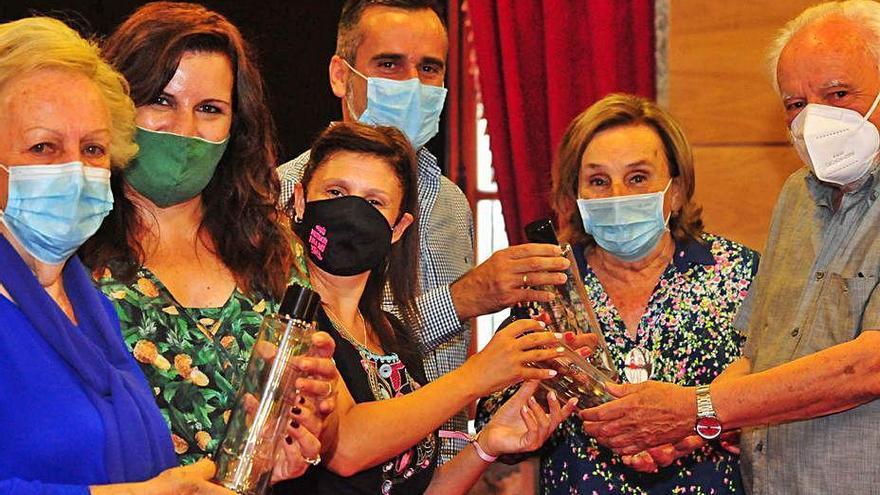 Cambados erradica las botellas de plástico de todos los actos oficiales