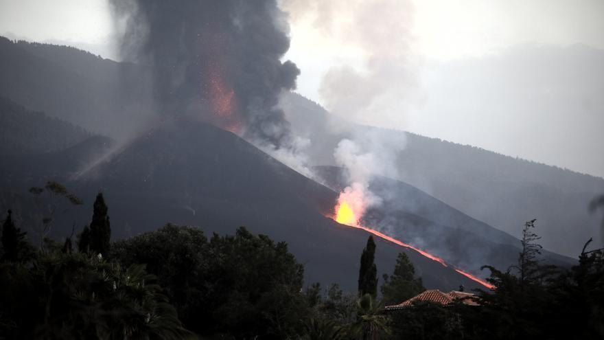 DIRECTO | La lava del volcán de La Palma avanza hacia el mar
