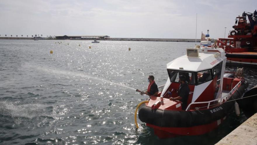 Nueva embarcación para actividades subacuáticas, rescates y fuegos en el mar