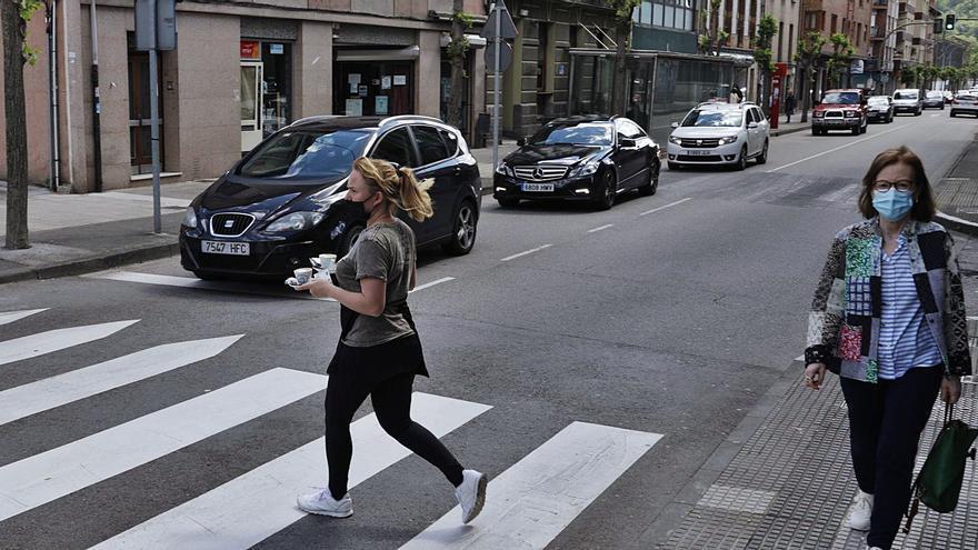 El valle del Nalón vuelve a los años 90: todo el tráfico por el casco urbano
