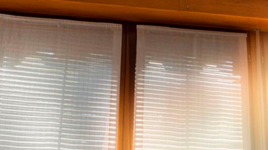 El producto casero para dejar las persianas como nuevas por dentro y por fuera