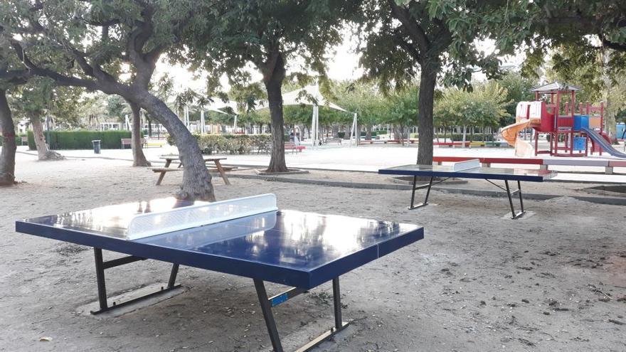 Juegos biosaludables y mesas de ping pong en los parques de Alaquàs