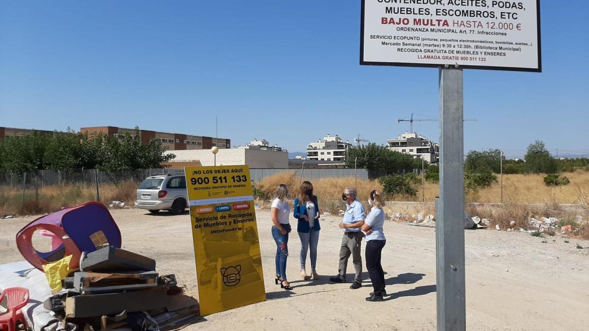 Detectan más de 1.700 puntos de vertidos de enseres en la calle en solo dos semanas