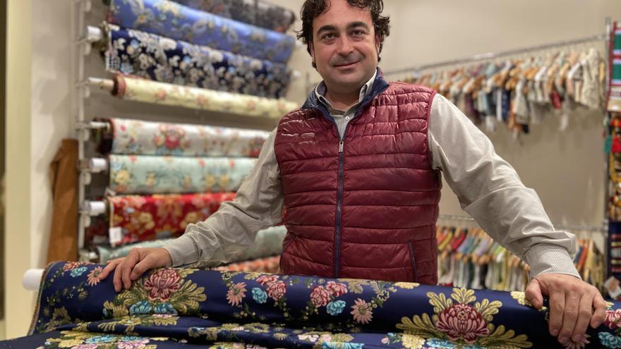 Las fallas de Torrent lanzan una campaña para fomentar la compra de indumentaria