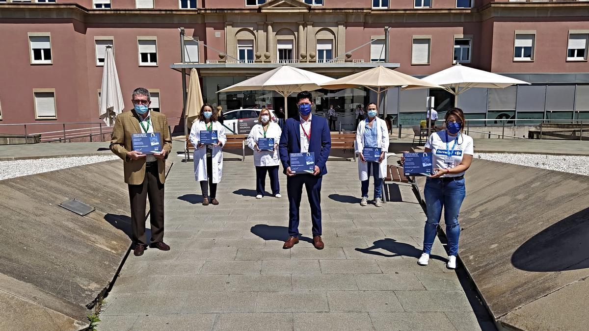 L'entrega dels 31 dispositius a l'Hospital de Figueres