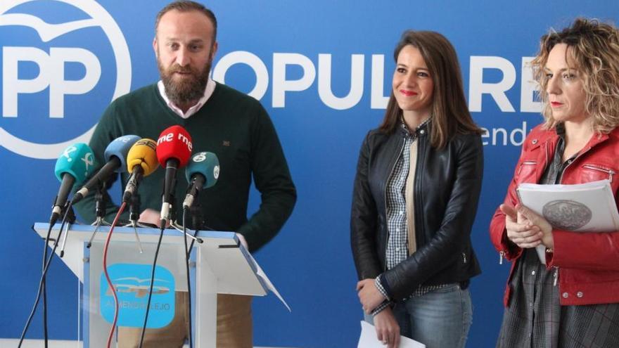 El alcalde de Almendralejo recalca que es el juez de la 'Púnica' quien debe pronunciarse sobre su situación procesal