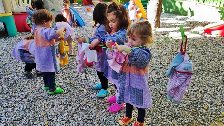 El Centre d'Educació Infantil Narcís Monturiol prepara els nens per a entrar a l'escola