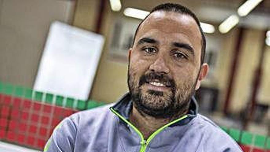 Leo Álvarez, técnico del Balonmano Zamora, en su visita a este periódico.