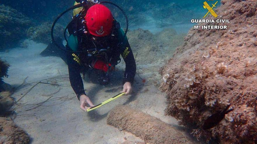 La Guardia Civil ha señalizado siete artefactos explosivos en el mar este año
