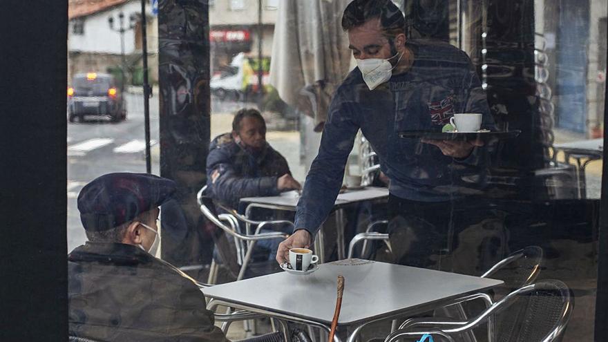 """Ourense, ante las semanas más duras: """"Era mejor cerrar todo quince días o un mes"""""""