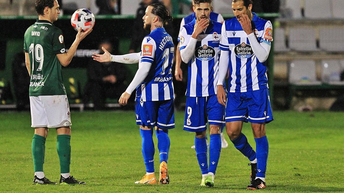 Héctor, Rayco y Borges, el sábado en el partido contra el Racing de Ferrol. |  // RCD