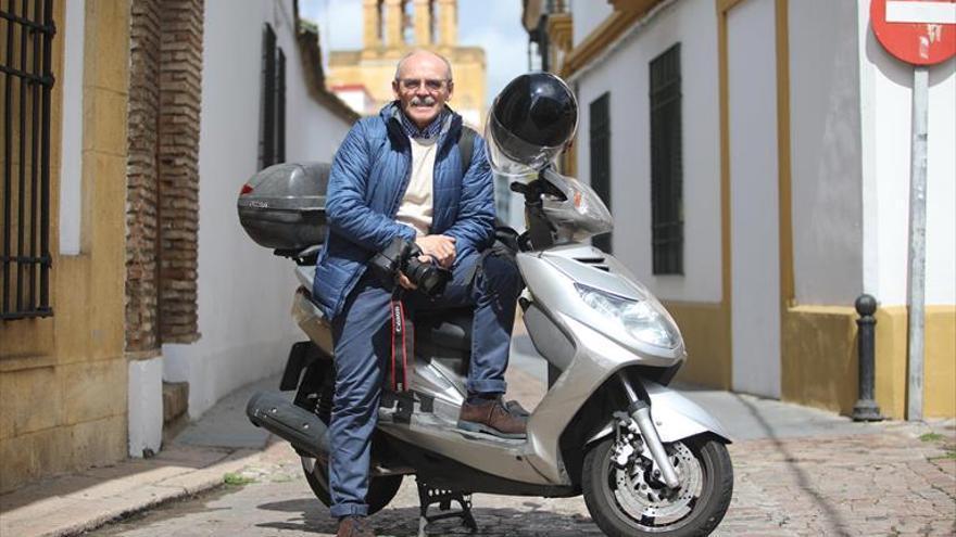 """Francisco González, fotoperiodista: """"La información se ha hecho ahora más relevante"""""""