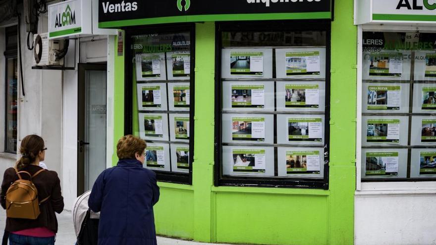 El precio de la vivienda de segunda mano crece un 0,4% este año en Castilla y León
