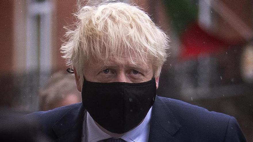 Johnson reconoce el enfado de la población por su gestión