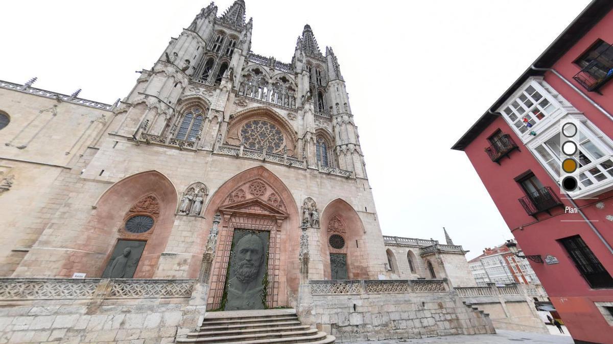Recreación de las puertas de la Catedral de Burgos con las nuevas de Antonio López.