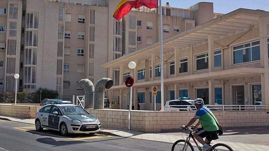 Un detenido en Alicante por abusos a un menor es sorprendido masturbándose en los calabozos