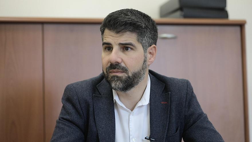 """Javier de Juan: """"La explotación sexual de tuteladas no se acaba con una dimisión"""""""