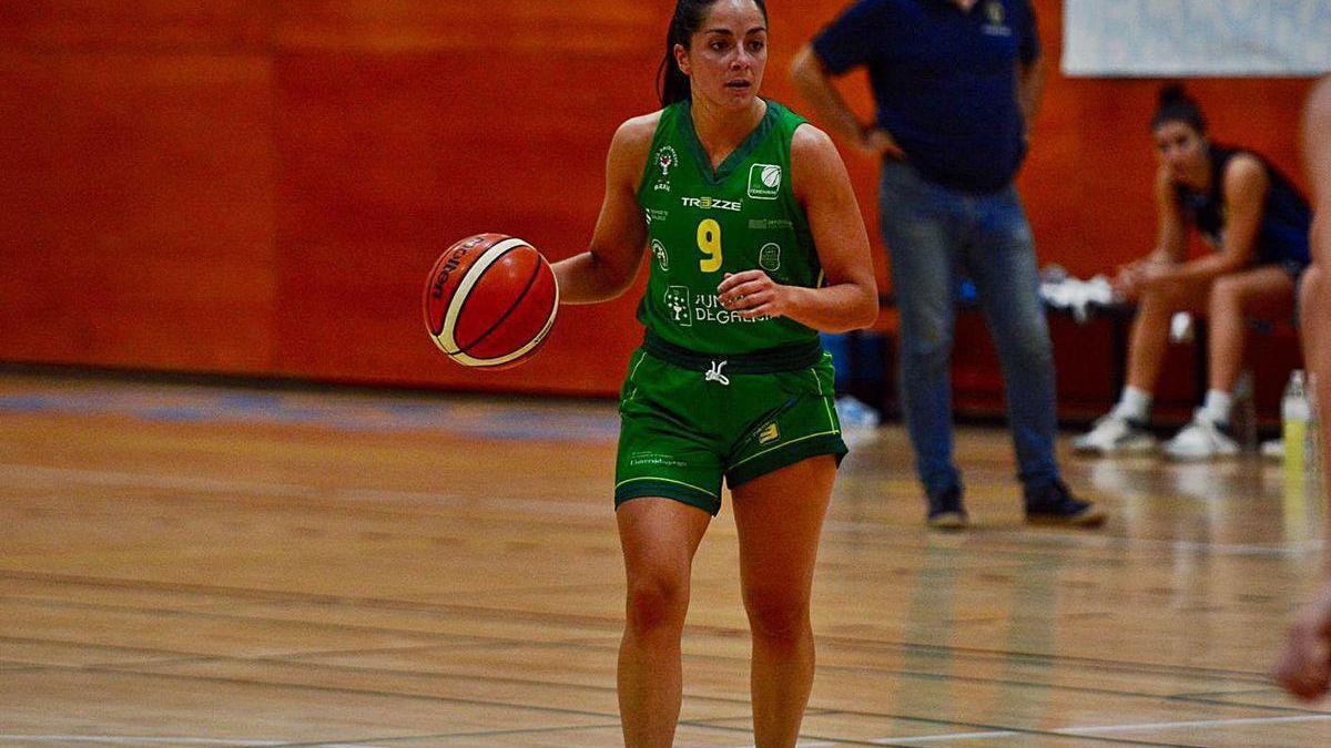 Carla Fernández en un partido contra el Estudiantes.
