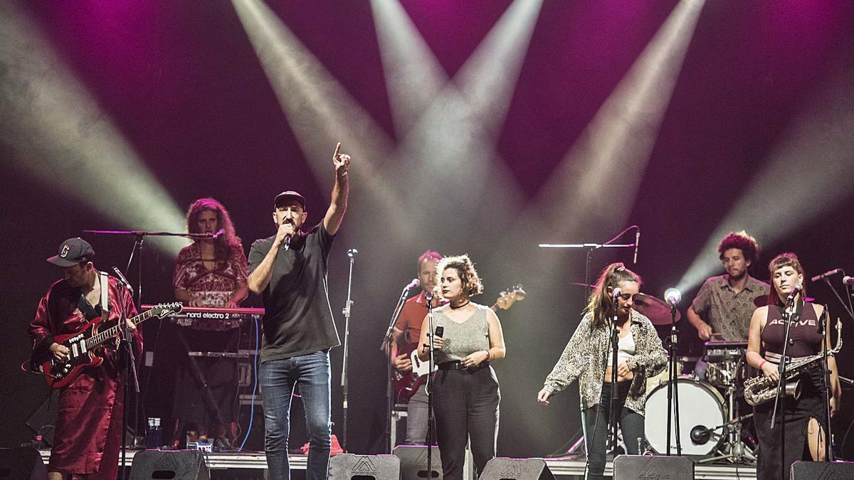 Rodrigo Laviña y su combo, l'últim concert de l'edició d'enguany del Festival Artístic del Barri Antic | OSCAR BAYONA