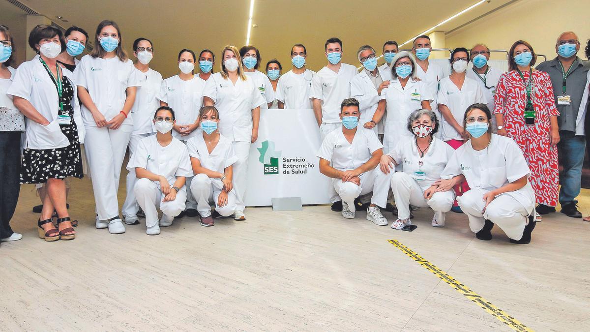 Gran parte del equipo de vacunación del Palacio de Congresos de Cáceres.