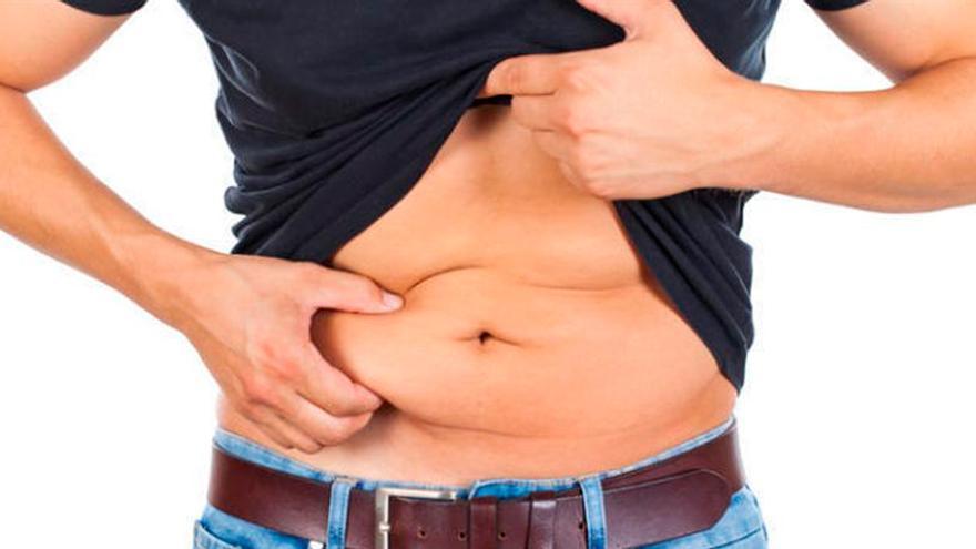 El gesto de los expertos para perder peso y evitar una digestión pesada cuando comemos