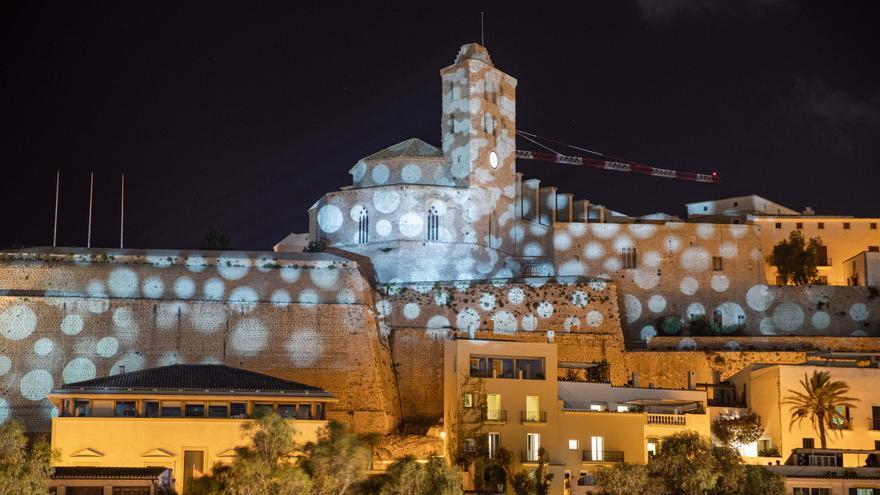 Un espectáculo de luces transforma las iglesias de Ibiza