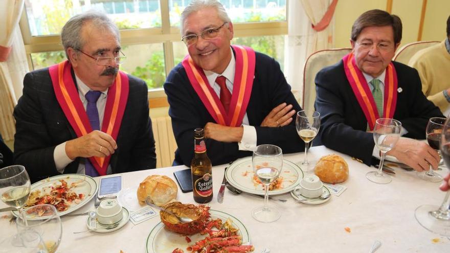 Los amantes de la buena mesa celebran en O Grove el Centolo Larpeiro