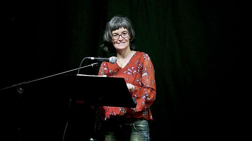 La gandiana Maria Josep Escrivà rep el Premi de la Crítica en llengua catalana