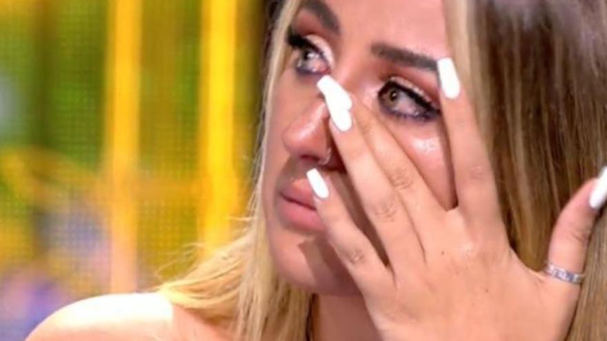 """Rocío Flores responde enfurecida a Rocío Carrasco cuando dijo que sus hijos """"no están al mismo nivel"""""""