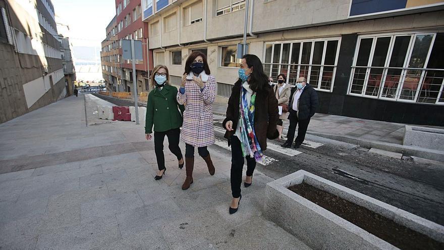 Xunta y Concello de Marín humanizan la calle A Estrada tras invertir 360.000 euros