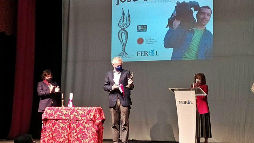Lorenzo Milá y Manuel Rico reciben el premio José Couso de Liberdade de Prensa