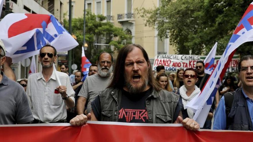Grecia se subleva contra los nuevos recortes de Tsipras