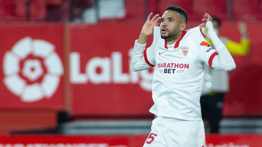 Un gol de En-Nesyri da al Sevilla el derbi frente al Betis