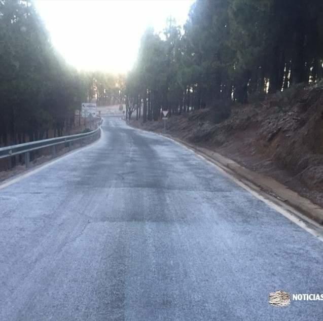 Carretera en Tejeda.