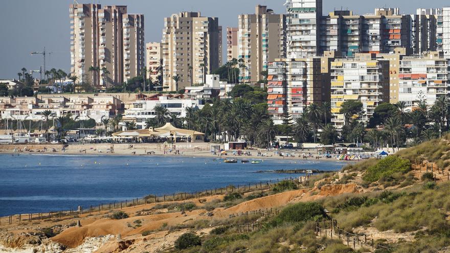 El Brexit retrasará la venta de más de 800 viviendas anuales en la Vega Baja por una ley franquista