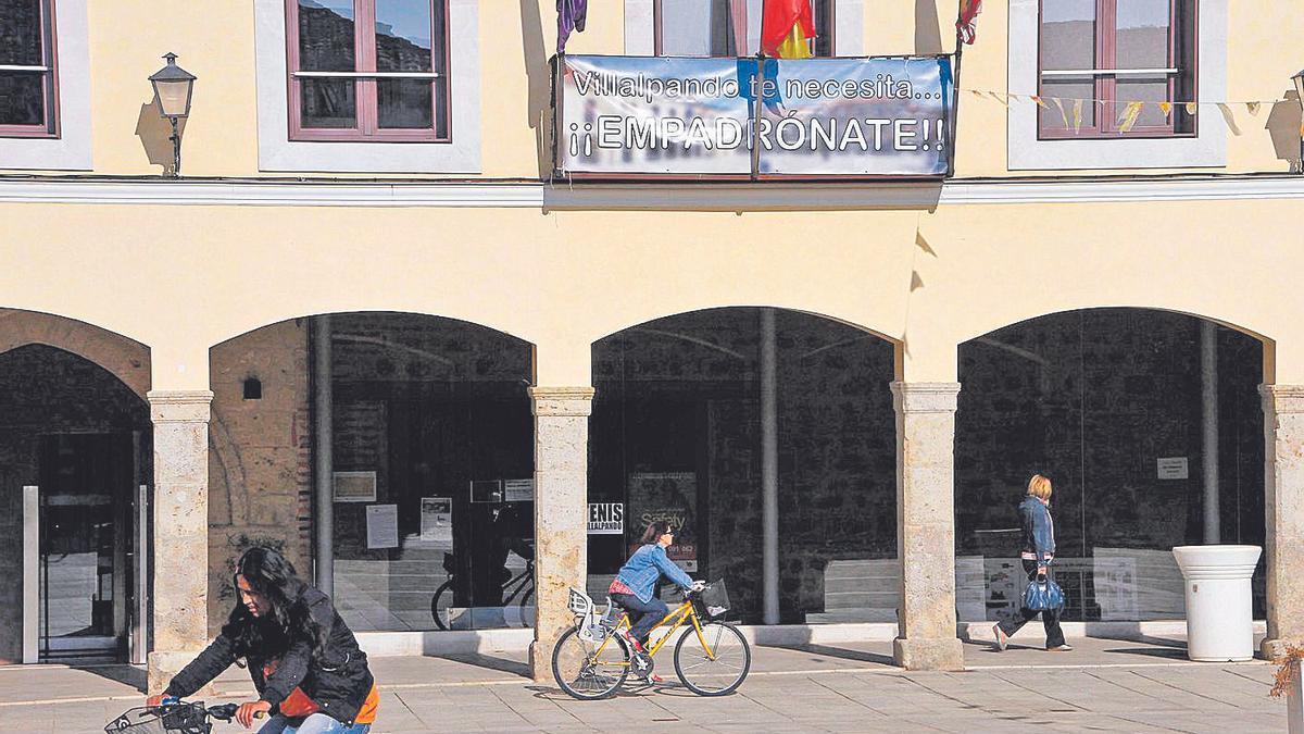 Fachada del Ayuntamiento de Villalpando.