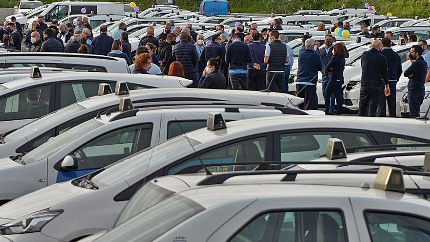 La patronal del taxi se une para exigir al Ayuntamiento la vuelta de los turnos