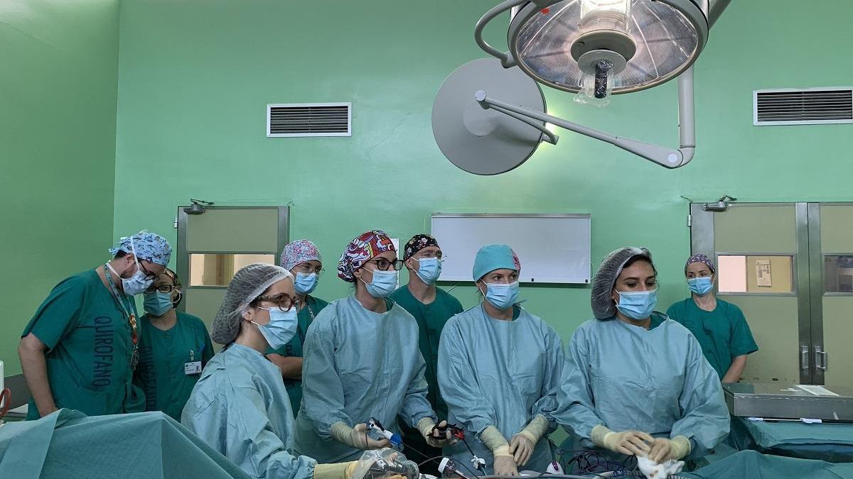 Extraen en el Materno tejido ovárico de dos menores oncológicas para preservar su fertilidad