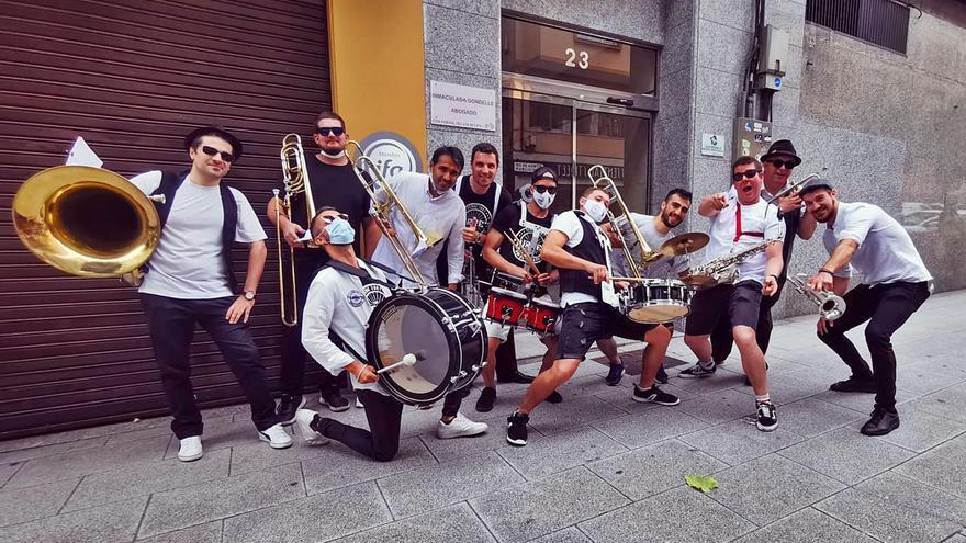 """""""Zapatilla"""":The Turre's Band"""