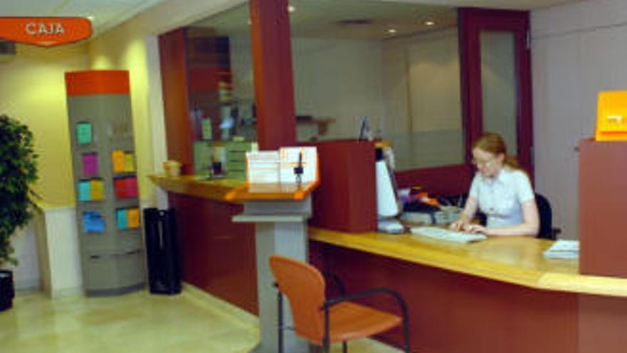 La banca cerró 54 oficinas en Canarias en 2019