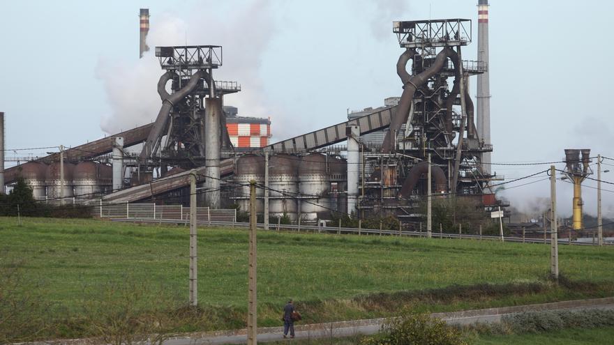La elevada factura de la luz amenaza la descarbonización de Arcelor en Asturias